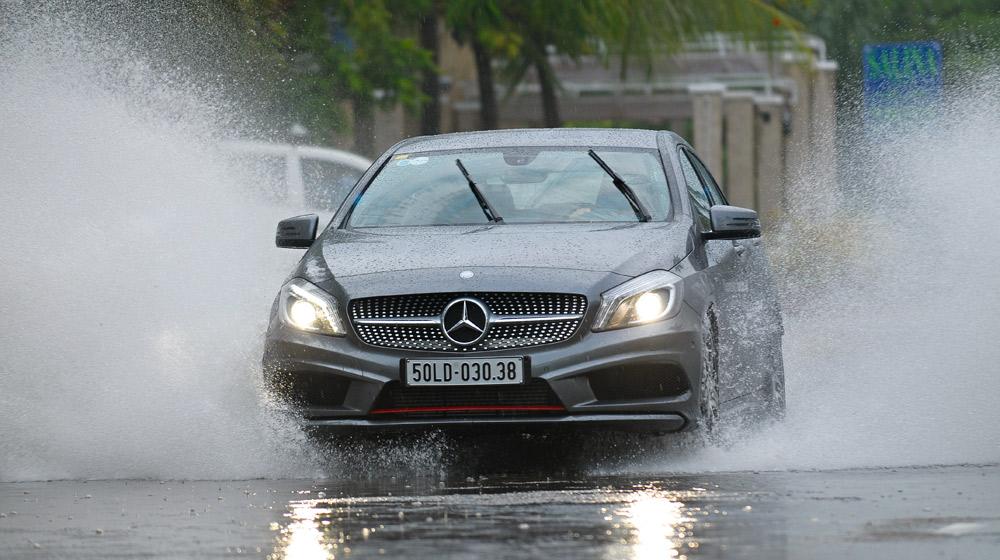 Ôtô đi mưa, cần chuẩn bị những gì?