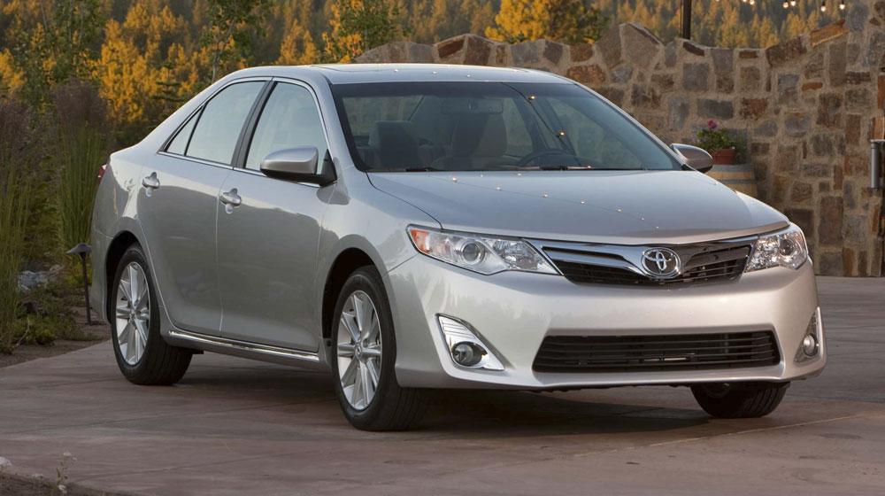 Toyota bán gần 50.000 xe Camry trong tháng 5