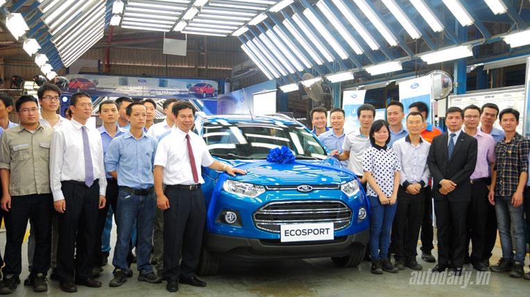 """Ford EcoSport vừa xuất xưởng đã """"cháy"""" hàng"""