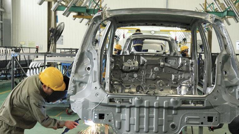 """VAMA lại """"lo lắng"""" với thủ tục thông quan ô tô nhập khẩu"""