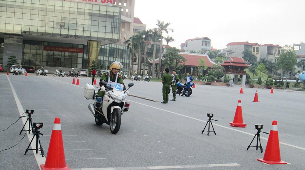 Cán bộ Giáo viên Học viện Cảnh sát nhân dân tập huấn lái xe phân khối lớn