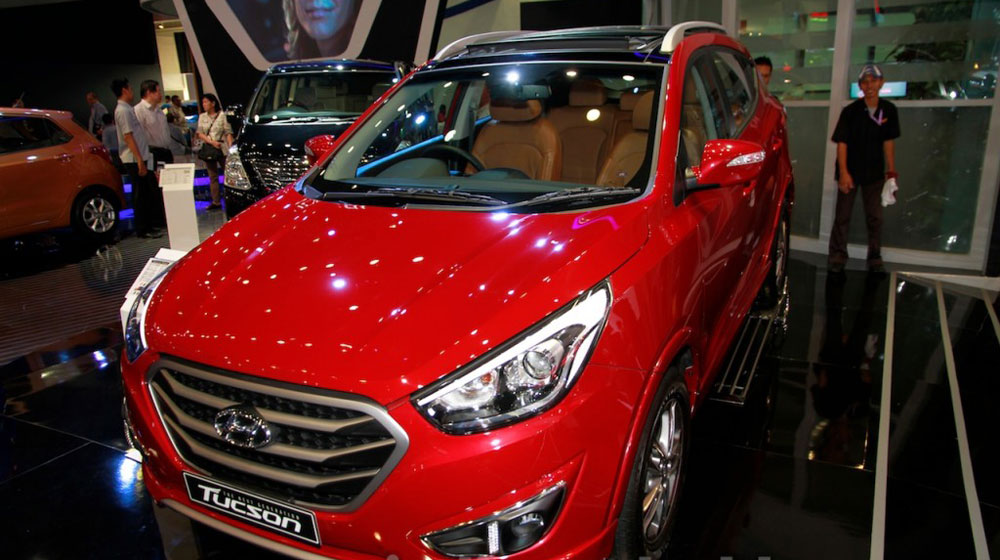 Hyundai Tucson XG AT: mini SUV giá 31.600 USD