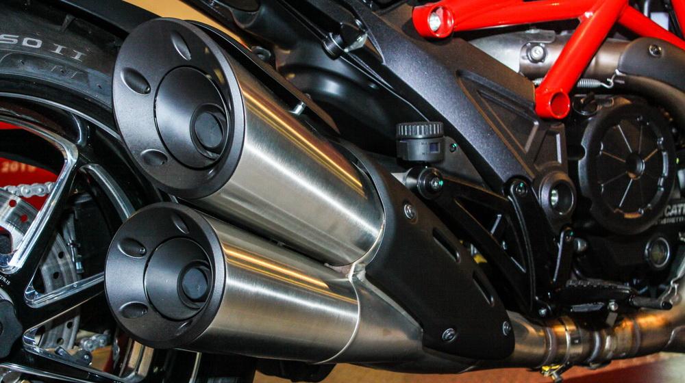 Ducati Diavel 2015 (10).jpg