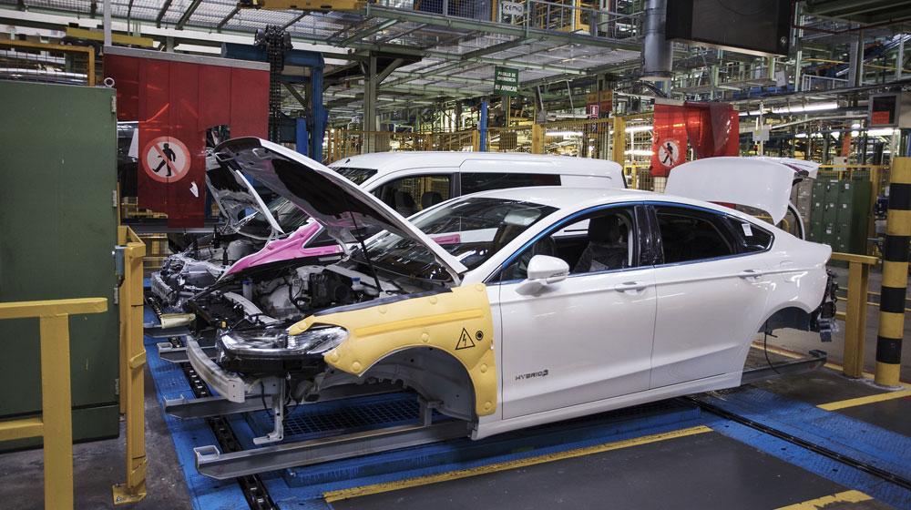 Ford bắt đầu sản xuất Mondeo Hybrid mới ở châu Âu