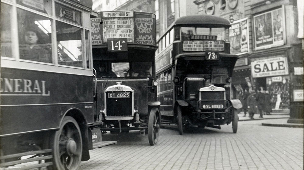 Traffic_in_London_in_1927.jpg