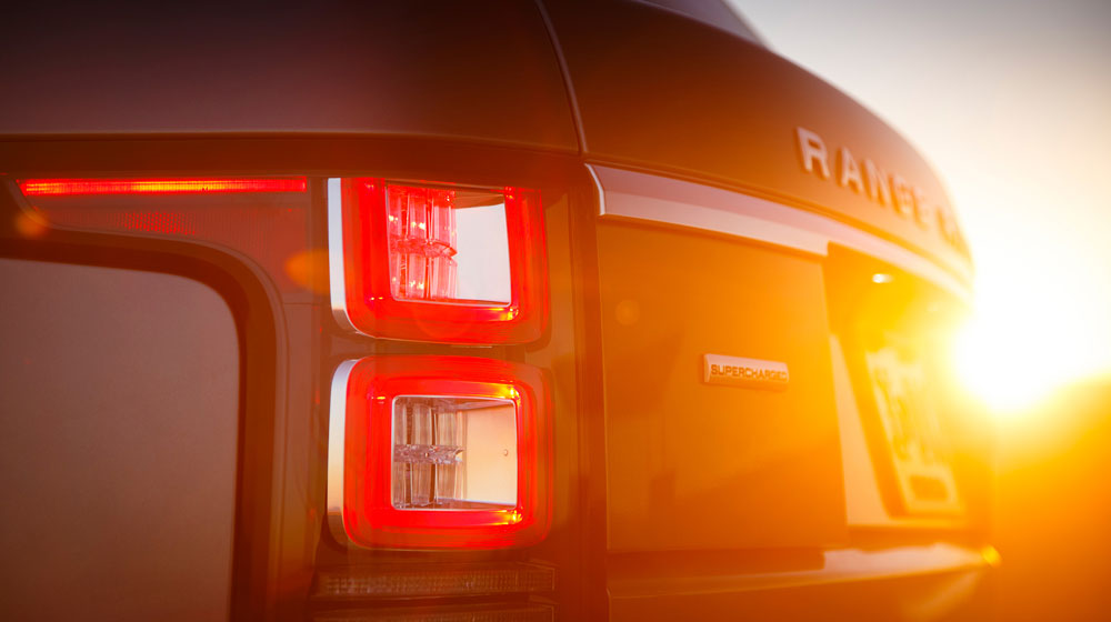 2013-land-rover-range-rover-rear-light.jpg