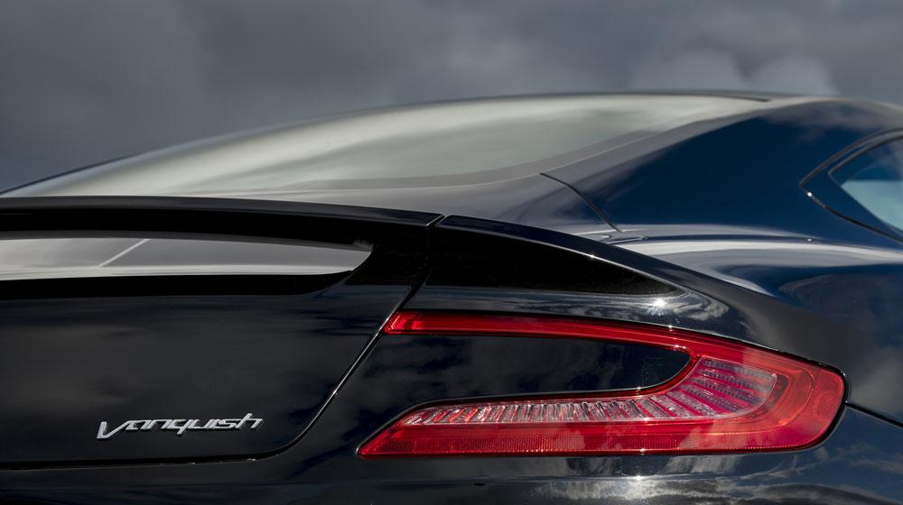 2015-aston-martin-vanquish-rear-taillight.jpg