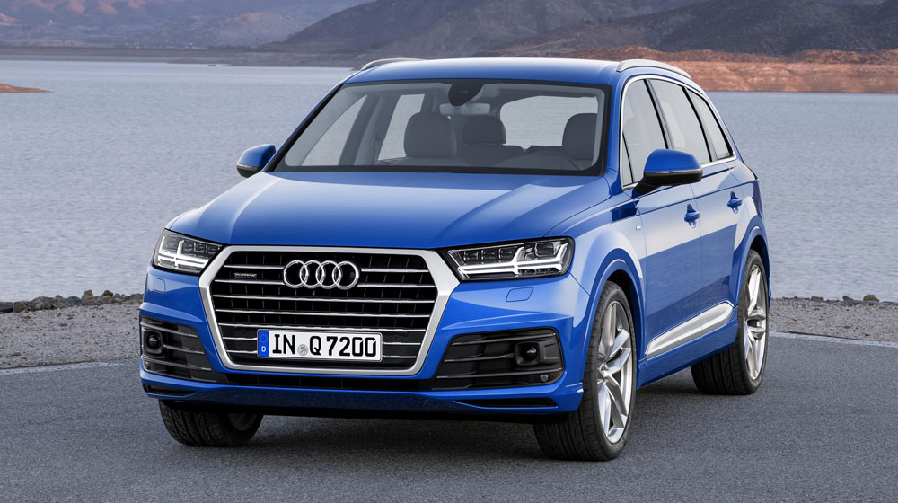 2016-audi-q7-front-three-quarters-02.jpg