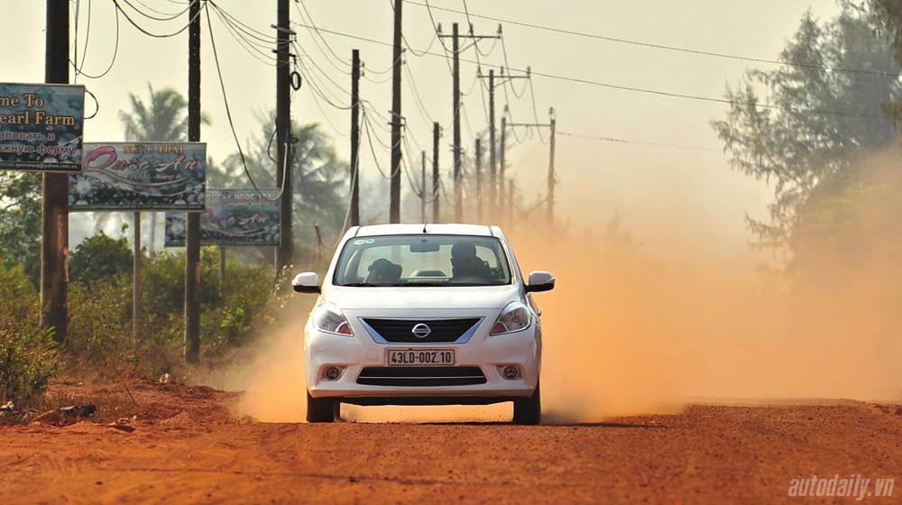 Nissan Sunny 2 (26).jpg