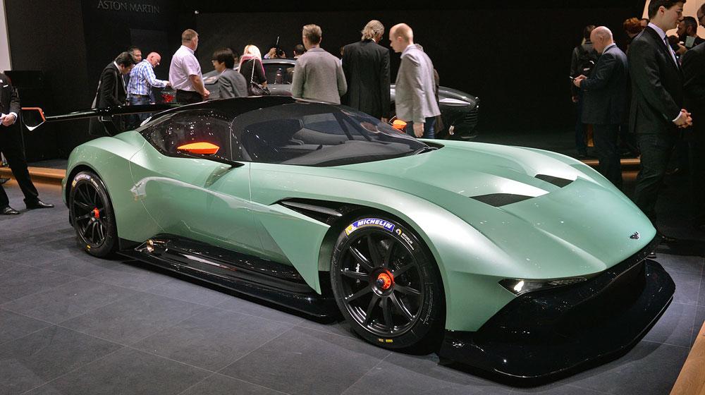 01 aston martin vulcan geneva 1 Chiêm ngưỡng những chi tiết độc và lạ trên Aston Martin Vulcan