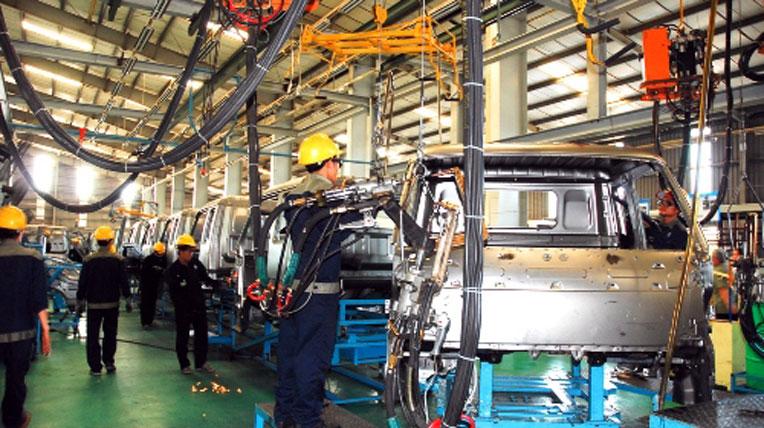 Ôtô made in Việt Nam: Chả ai dại đầu tư lớn?