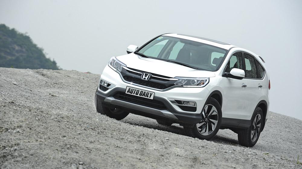"""Hyundai SantaFe 5 chỗ có gì để """"chiến"""" với Honda CR-V"""