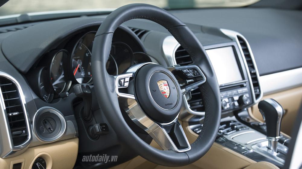 Porsche Cayenne 2015 (58).jpg