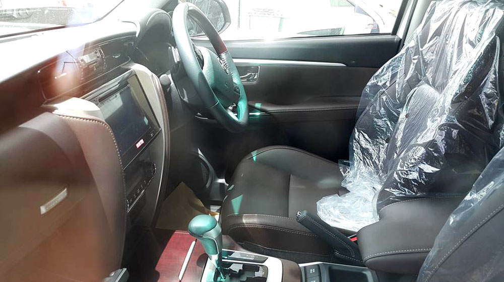 2016-Toyota-Fortuner-driver-seat-spied.jpg