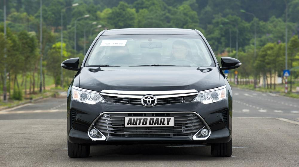 Peugeot_508_vs_Toyota_Camry (5).jpg