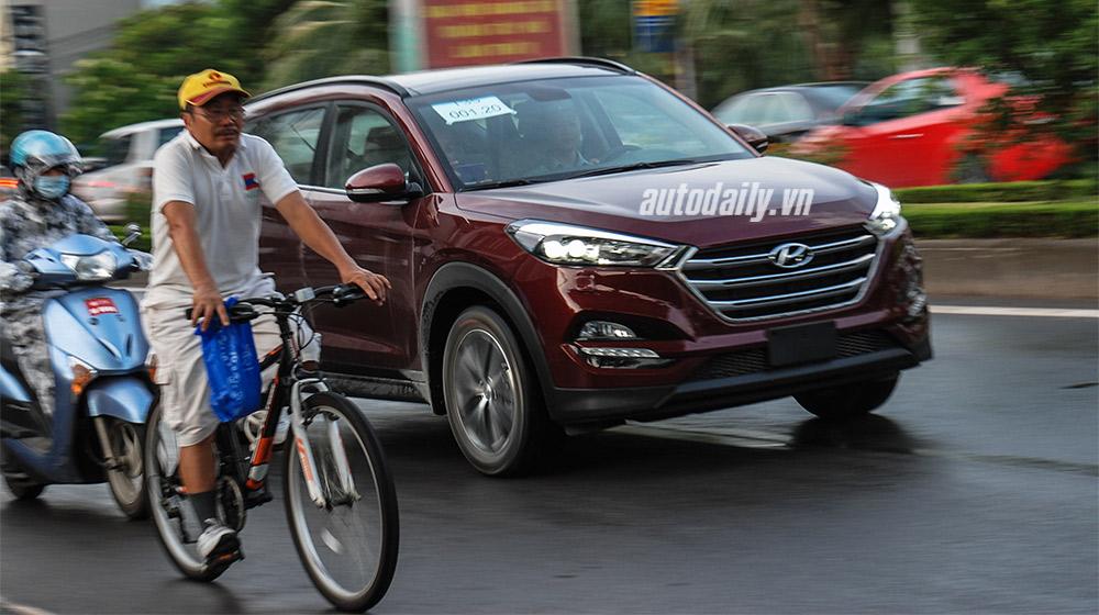 Hyundai Tucson 2016 bất ngờ xuất hiện trên phố Hà Nội