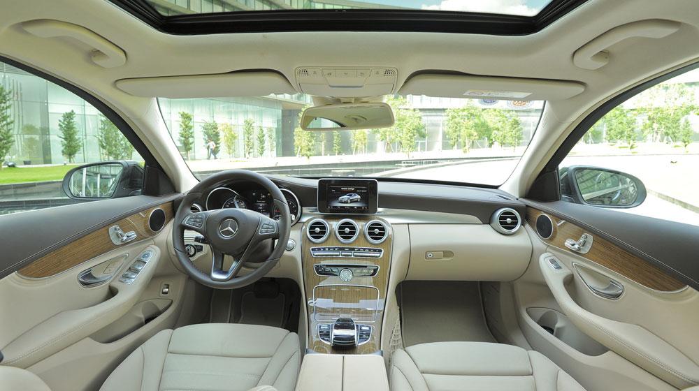 Mercedes-benz-C250-Exclusive-(37)-1.jpg