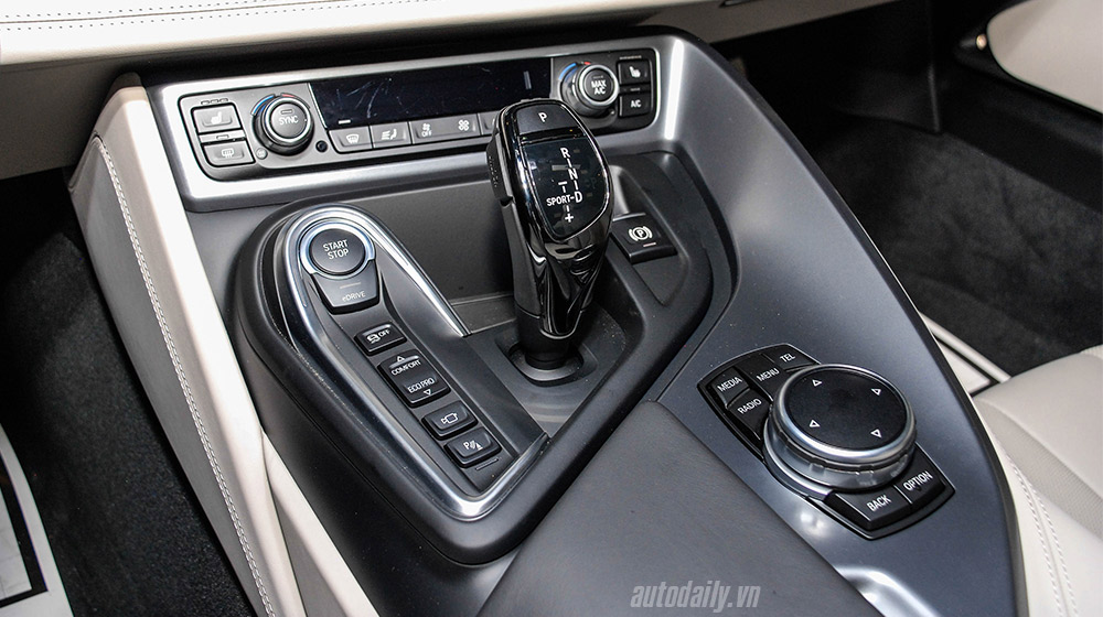 BMW i8 (28).jpg