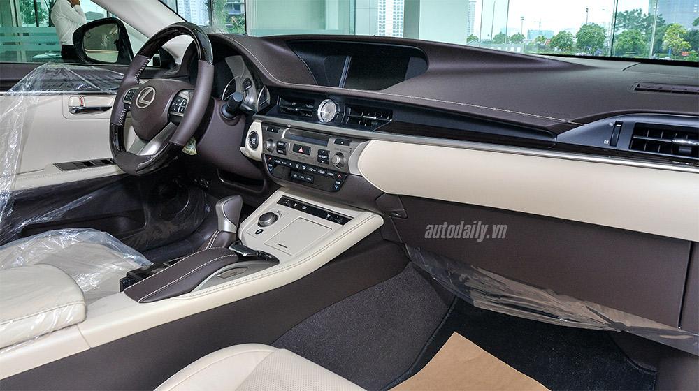 Lexus ES 2016 (14).jpg