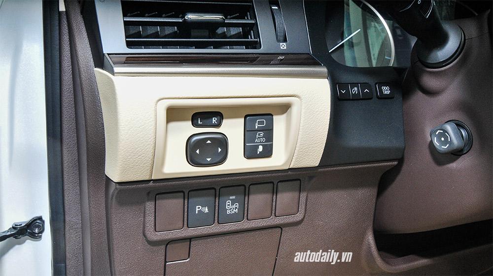 Lexus ES 2016 (20).jpg