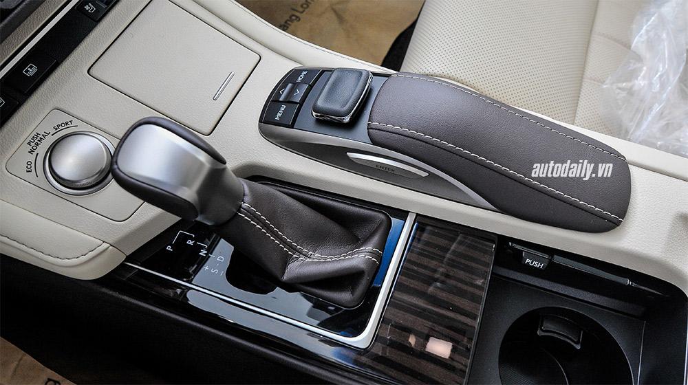 Lexus ES 2016 (21).jpg
