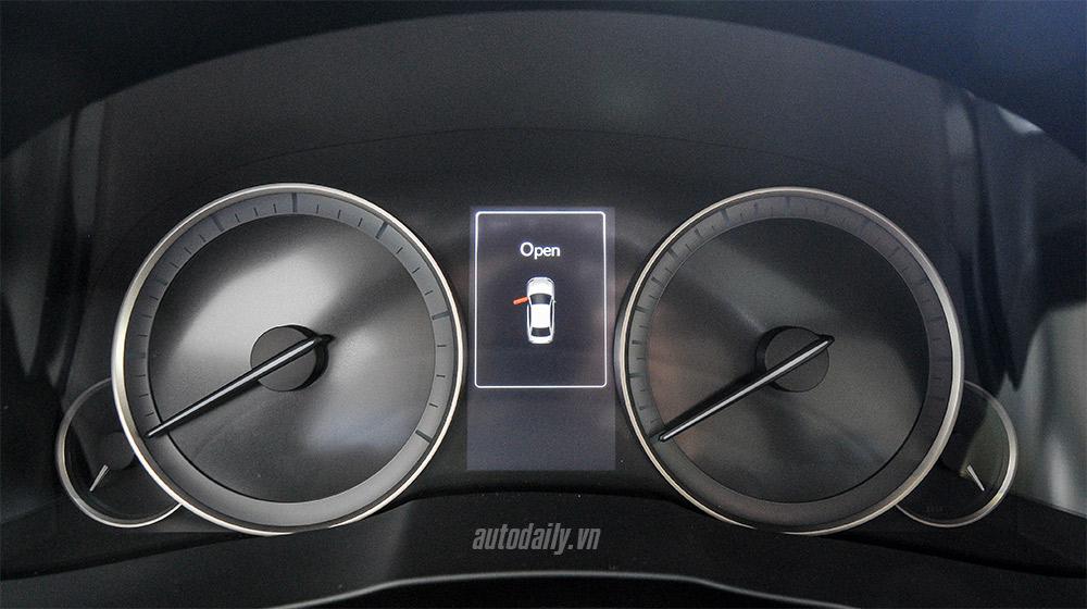Lexus ES 2016 (22).jpg
