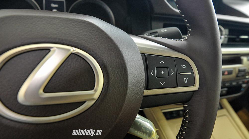 Lexus ES 2016 (25).jpg