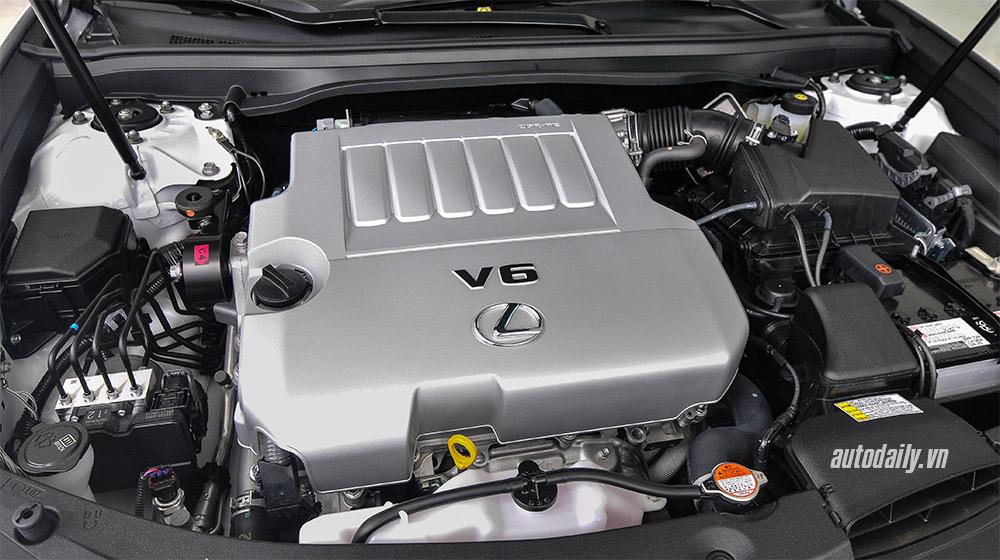 Lexus ES 2016 (26).jpg