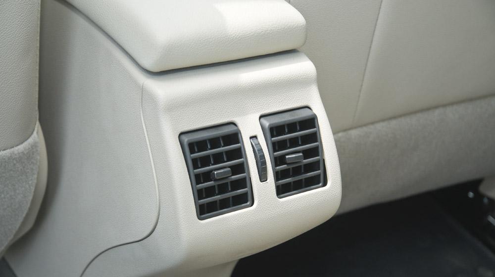 Renault Megane Hatchback_10.jpg