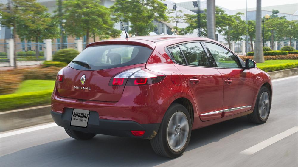 Renault Megane Hatchback_40.jpg