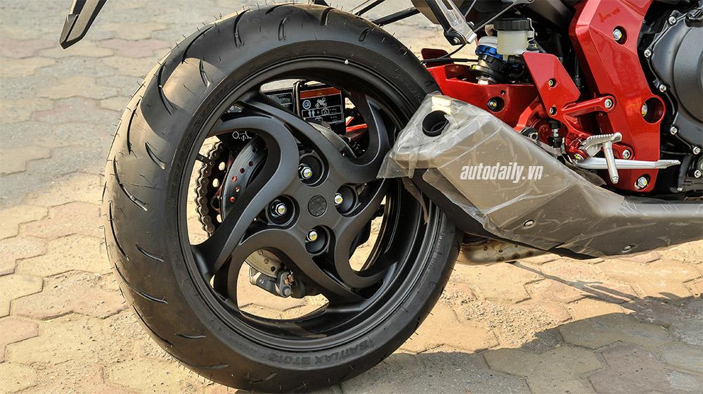 Honda CB1000R 2015 (19)-1.jpg