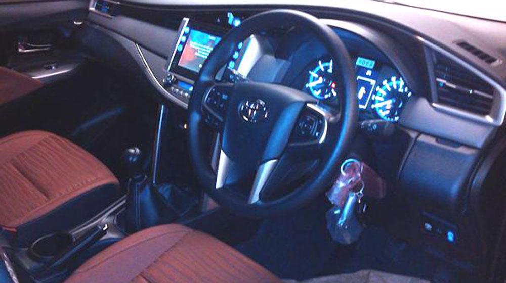 Nội thất của Toyota Innova 2016