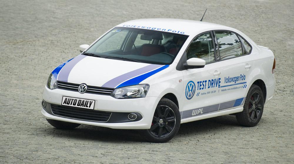 Volkswagen-Polo-Sedan-Test-Drive (3)-1.jpg