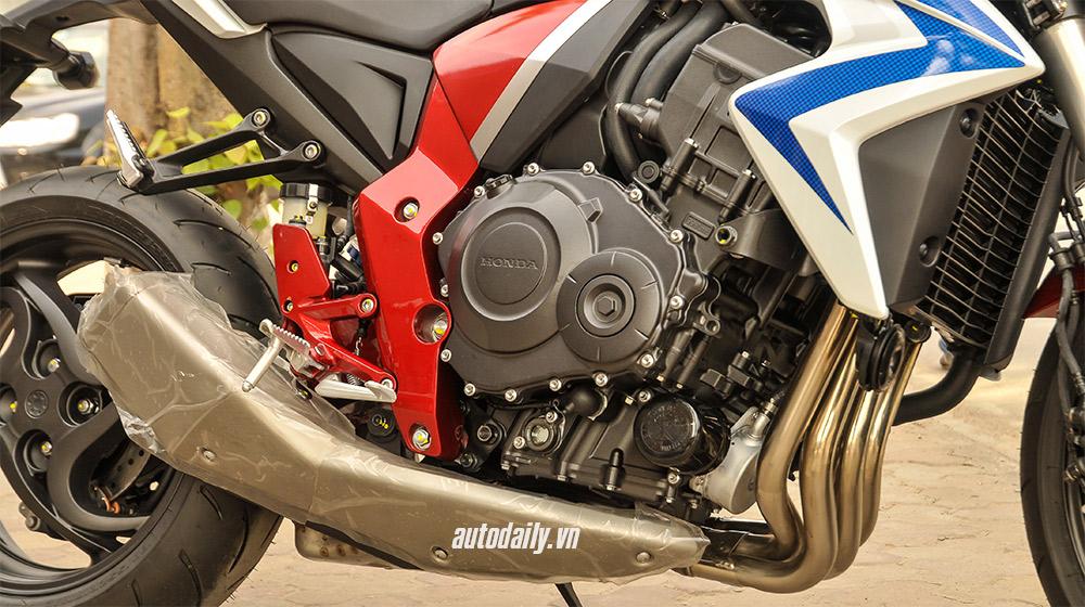 Honda CB1000R 2015 (4).jpg