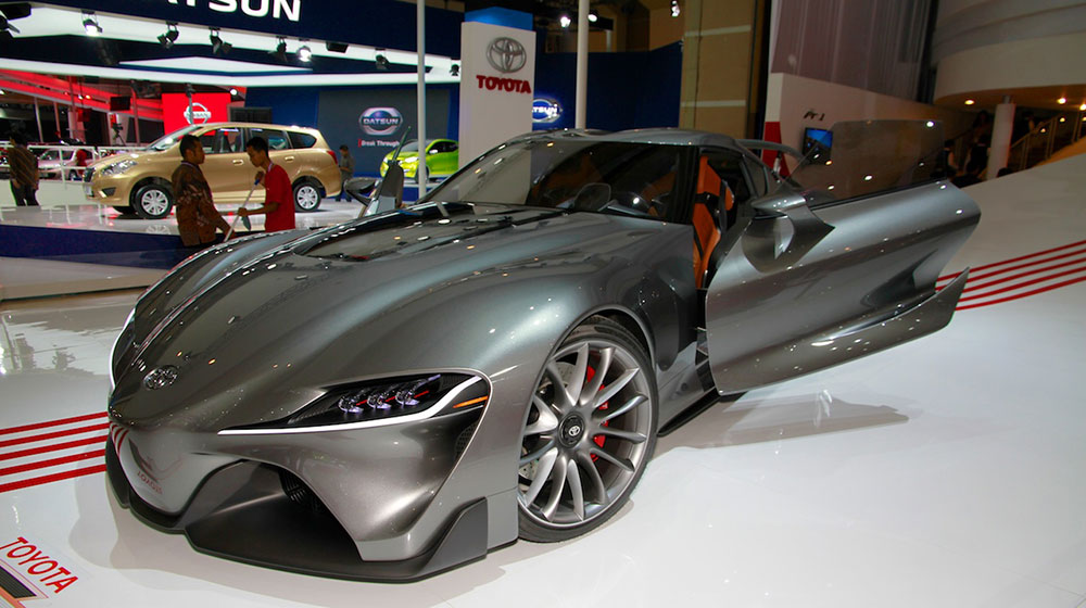 Toyota-FT-1-concept-front-three-quarters-at-the-2014-Indonesia-International-Motor-Show.jpg