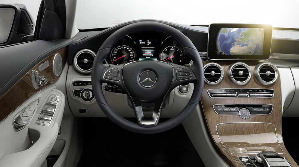 Mercedes-3.jpg