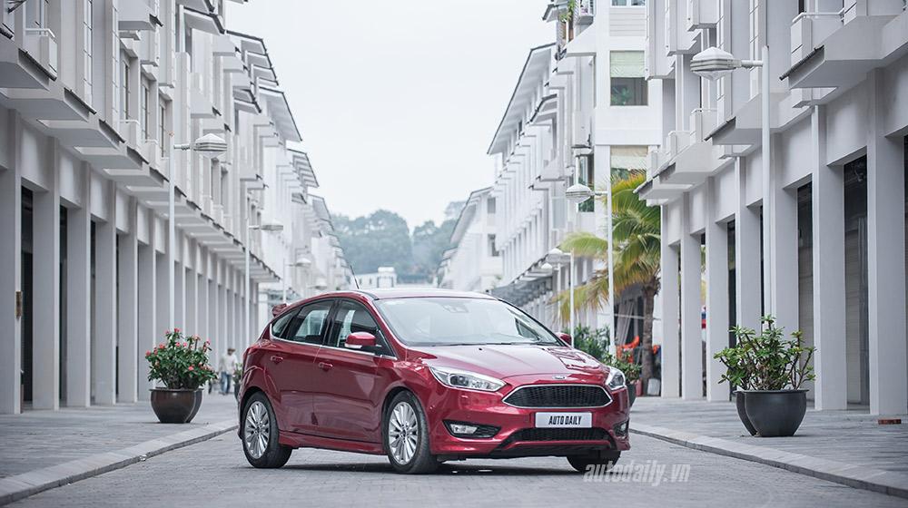 """Đánh giá Focus mới – """"Vũ khí sắc lẹm"""" của Ford"""