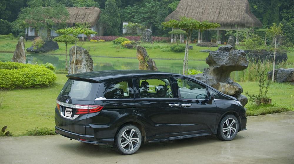Honda Odyssey 2016 (3).jpg