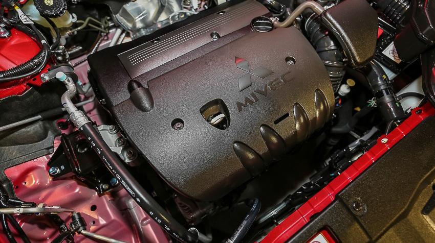 Mitsubishi Outlander 2016 giá bao nhiêu 2