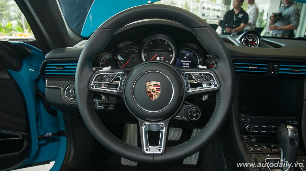 Porsche_911_Turbo_S (38).jpg