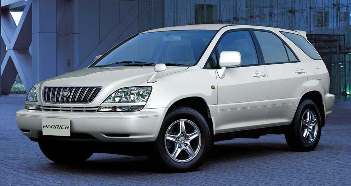 Toyota-Harrier copy.JPG