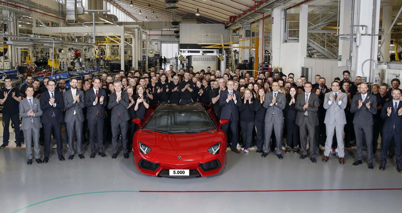 3 siêu xe Lamborghini Aventador đến tay khách hàng mỗi ngày
