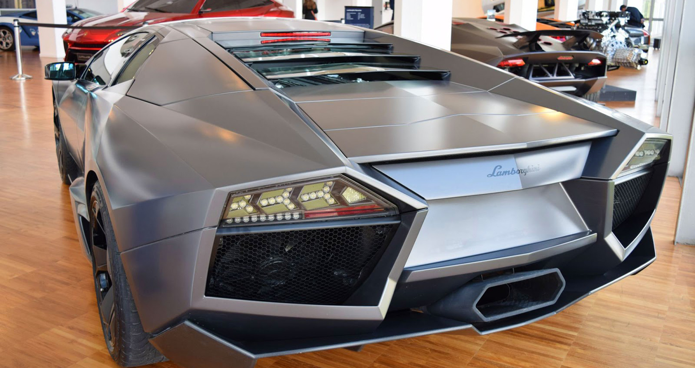 Bên trong bảo tàng hãng siêu xe Lamborghini có gì?