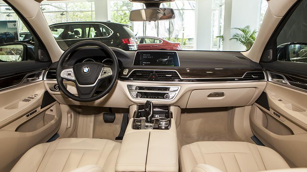 BMW_730Li (9).jpg