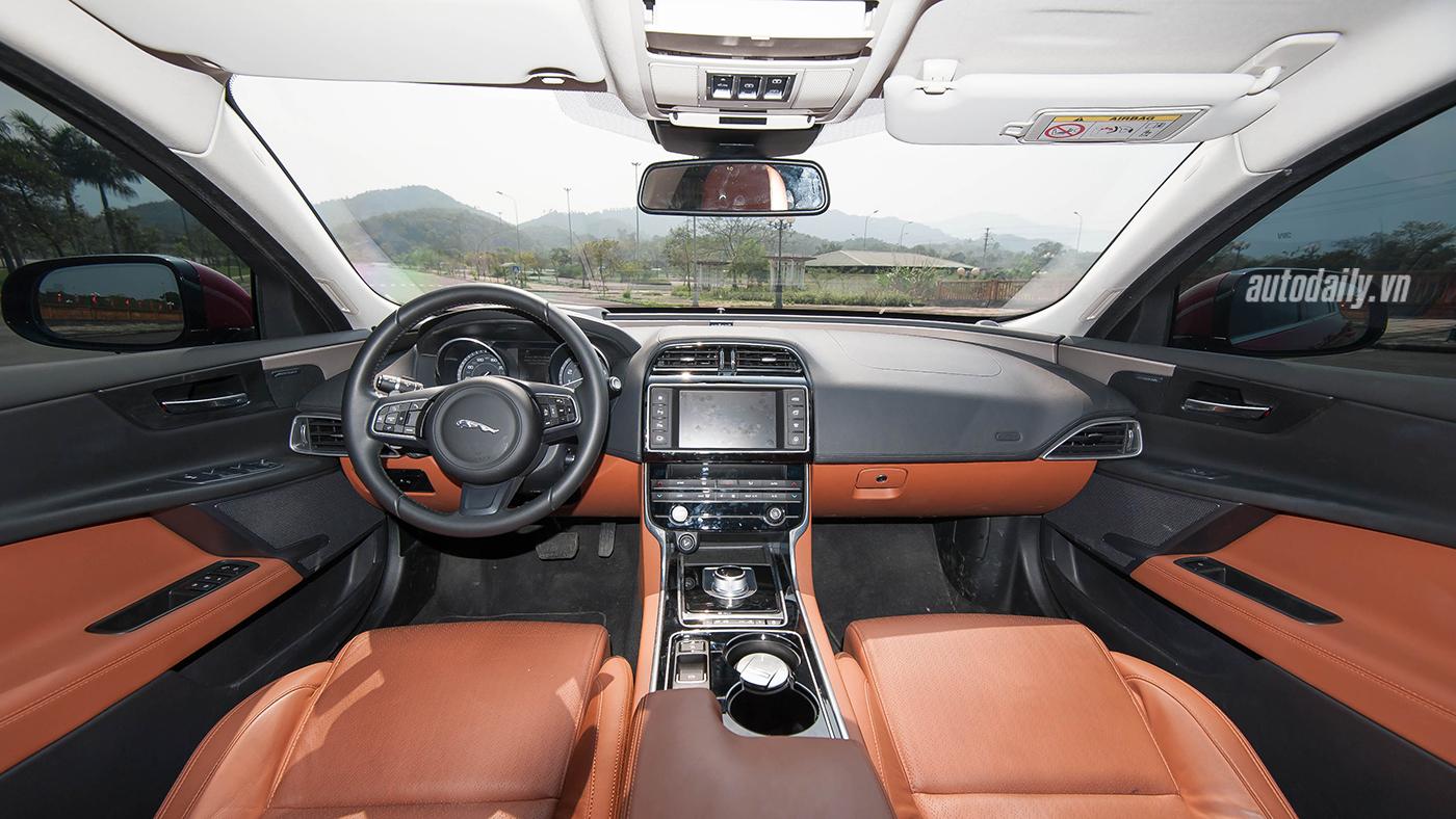 Jaguar XE Test Drive (17).jpg