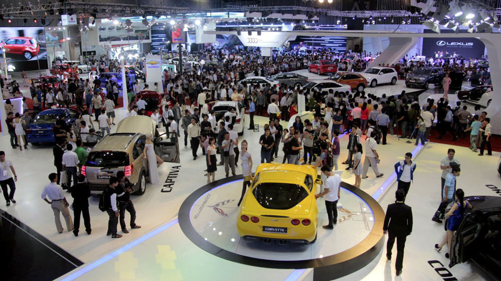 Thị trường ô tô: tăng vẫn lo cho nhà cung cấp.