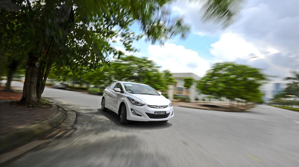 Hyundai-Elantra (21).jpg