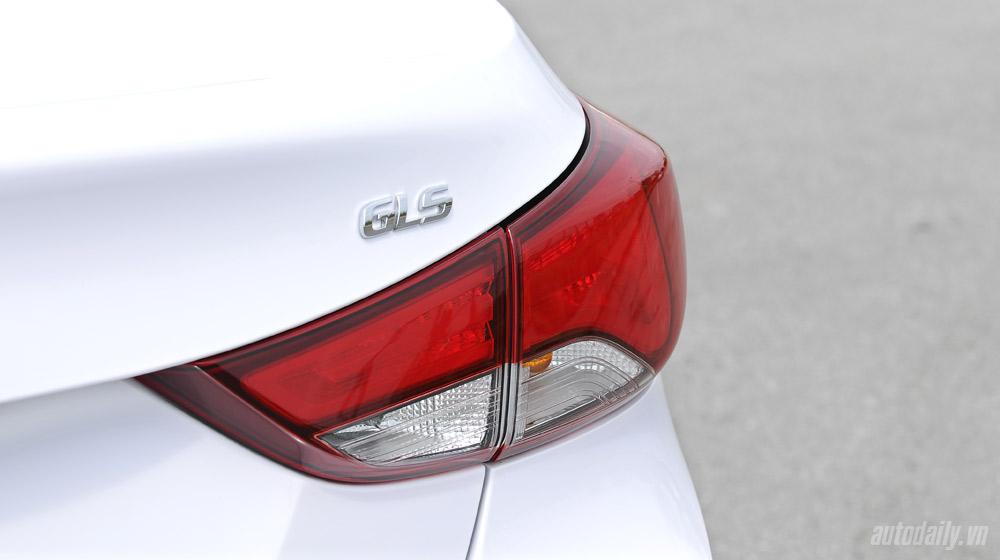 Hyundai-Elantra (24)-1.jpg