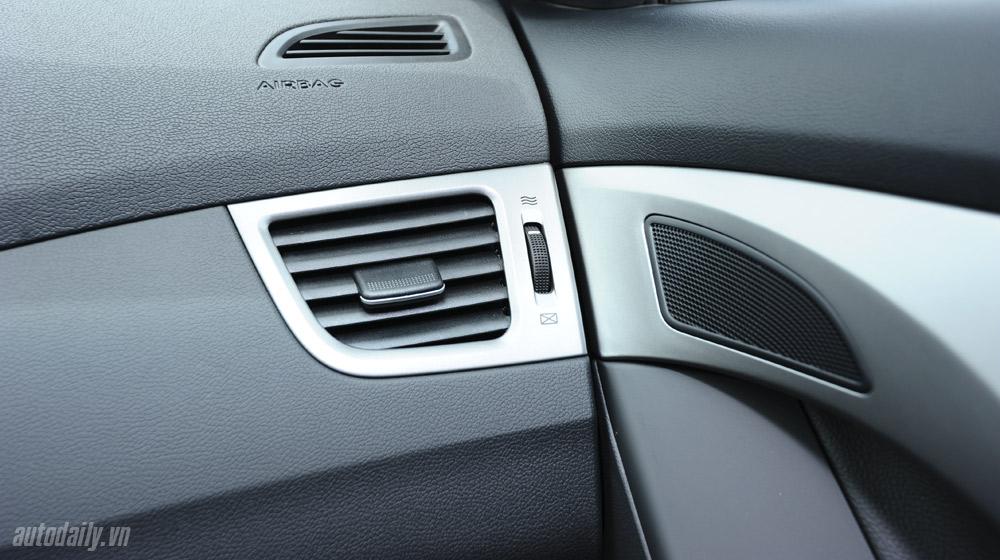 Hyundai-Elantra (46).jpg