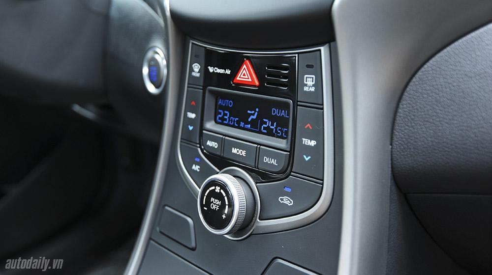 Hyundai-Elantra (47).jpg